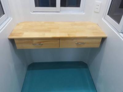 Nội thất composite đúc liền khối, bàn làm việc có ngăn kéo đôi